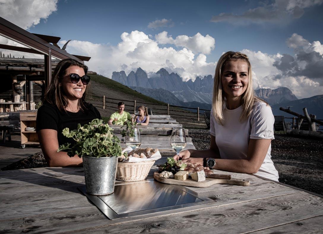 Rossalm Genuss Almrestaurant Frühstück Brixen Plose